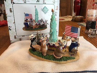 """CHARMING TAILS """" Let Freedom Ring"""" FITZ AND FLOYD Statue Of Liberty MOUSE"""