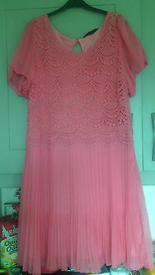 Women's Formal Dress in Coral Small Size 16 Perfect Condition