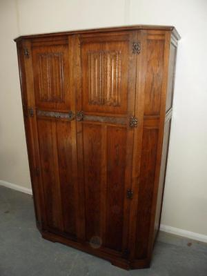 A Lovely 1920s Linenfold Carved Large Golden Oak 2 Door Wardrobe