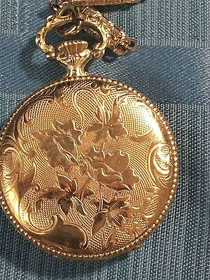 Vintage Sheffield Swiss Made Wind Up Pendant Watch Gold Tone Necklace WORKS!