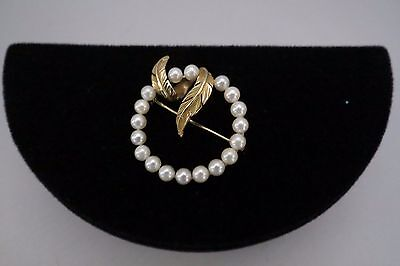 Gorgeous Pearl and 14K Yellow Gold Circle Pin –Excellent