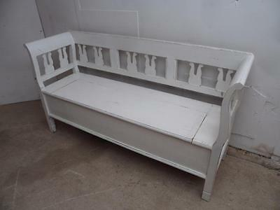 A Cracking 2/3 Seater Antique Pine Shabby Chic Painted White Box Settle/Bench