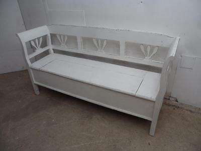 A Wonderful Small 2/3 Seater Antique Pine Shabby Chic Painted Box Settle/Bench