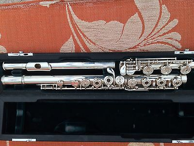 Altus A1107 professional open hole solid silver flute with B foot