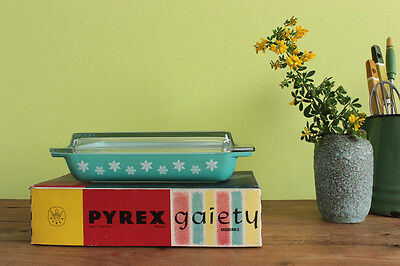 Vintage Pyrex Blue Gaiety Snowflake Shallow Serving Dish with Lid and Box