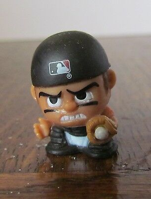 MLB TeenyMates Baltimore Orioles Series 3 baseball catcher