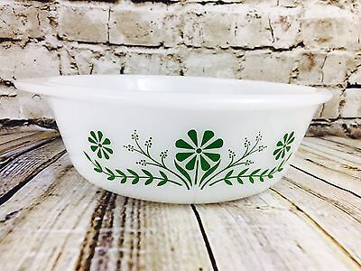 GLASBAKE 1 1/2 Quart Round casserole 79 White Green Daisies J-2600 USA