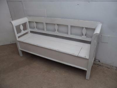 A Beautifully Painted Antique Pine Painted White Shabby Chic Box Settle/ Bench