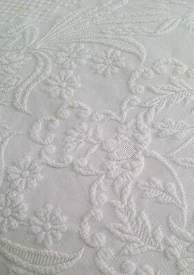 VINTAGE White MARSEILLE MARCELLA FLORAL COVERLET Bedspread - Needs some cleaning