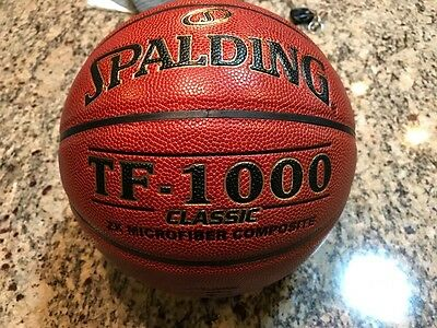 Spaulding TF-1000 Classic basketball NEW, autographed by Bill Walton