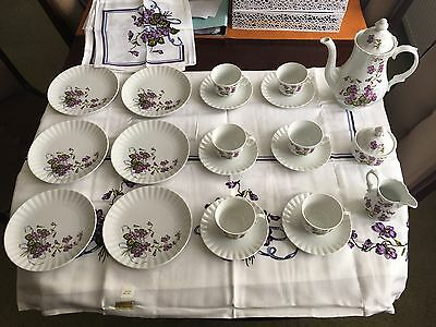 Wunsiedel Bavaria Porcelain: Teacups, Saucers, Plates, Sugar Bowl And Teapot