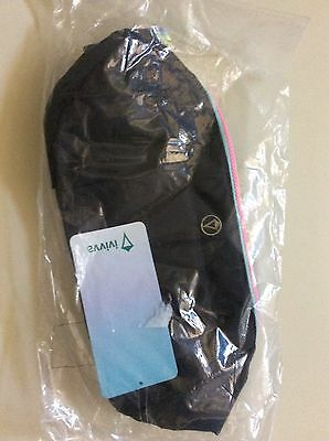 Ivivva by Lululemon around and about bag black NWT