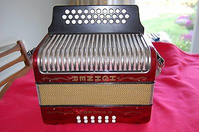 Hohner Corona lll Melodeon in Key G/C/F