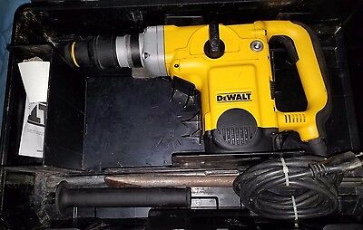 DEWALT D25600 1- 3/4 (44 mm) HEAVY DUTY ELECTRONIC ROTARY HAMMER DRILL SDS-Max