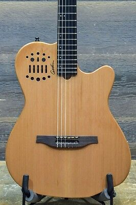 "Godin Multiac ACS Slim Cedar Natural ""SF"" SA Classical Guitar w/ Bag - #17305116"