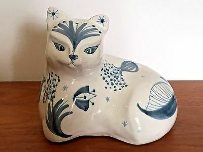 Rye Pottery David Sharp Cat Decorated With Retro Flowers & Leaves Design