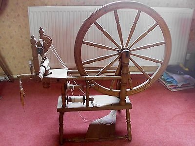 """Timbertops """"The Leicester"""" 24"""" single treadle spinning wheel"""