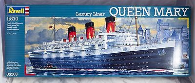 Revell Luxury Liner Queen Mary 1/570 Scale Plastic Model Kit