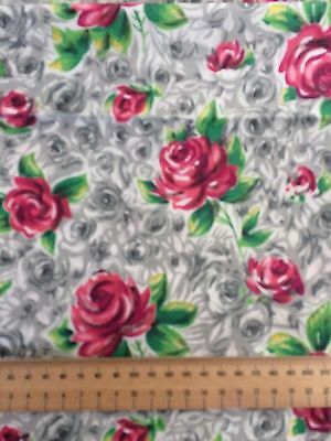 Vintage Fabric:   ❤  Roses ❤  White Background with variety of Grey roses