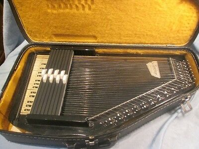 Oscar Schmidt Autoharp With Case