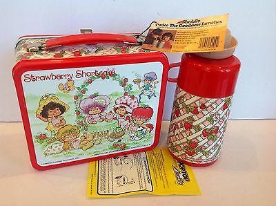 New Unused Vintage 1981 Strawberry Shortcake Lunchbox w/ thermos tags and papers