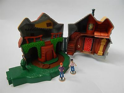Harry Potter Ron Weasley Cottage Playset 2001 With Two Figures