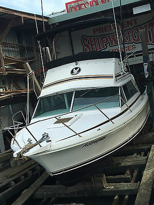 1988 Bertram 25 Flybridge Cruiser, 470 Mercruiser Engines
