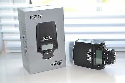 Meike MK320 Speedlite Flash for Nikon DSLR Camera - Great Condition