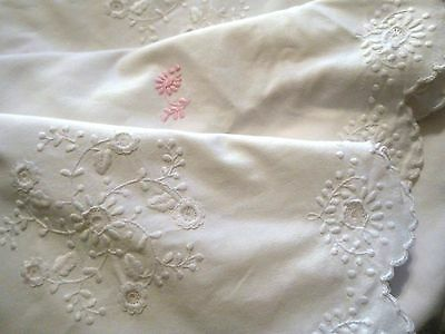 "Vintage White Oval Tablecloth Hand Embroidery 106""x 71"" Pink Flowers"