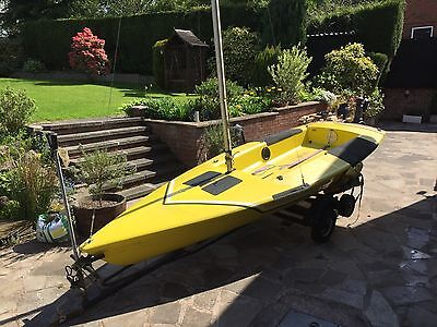 Zoom Sailing Dinghy (launch trolley and road trailer)