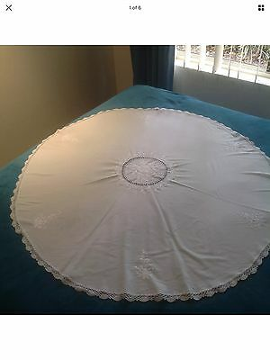 Vintage White Round Embroidered Linen & Lace Table Cloth 108cm Diameter