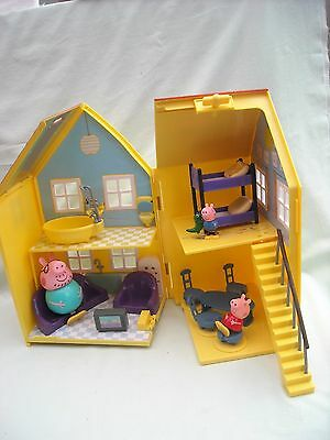 Peppa Pig Deluxe House / Playhouse With Furniture & 3 Figures