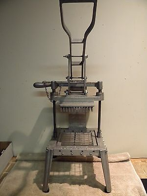 Prince Castle Commercial Lettuce Chopper - Great Cosmetic/Mechanical Condition