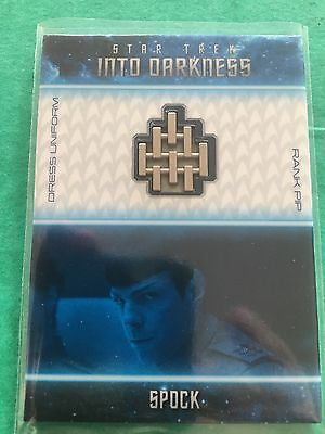 Star Trek Movies Into Darkness Uniform Badge B6 Rank Pip 087/250 Spock Quinto
