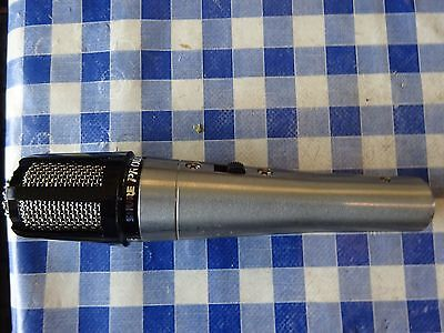 Shure Prologue 10L dynamic microphone. (1of2).