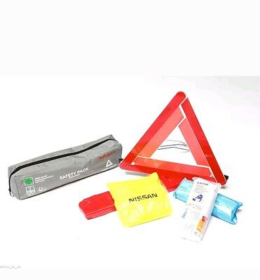 Nissan Qashqai (2014 >) Safety pack (First aid kit, jacket, warning triangle)