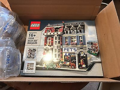 lego 10218 Pet Shop NEW and Sealed. **Discount for collection**
