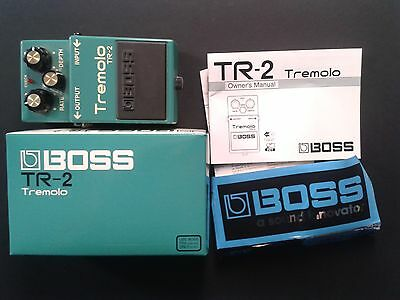 Boss Tremolo Tr 2 Tremolo Guitar Effects Pedal Tr-2 Boxed Instructions Stickers