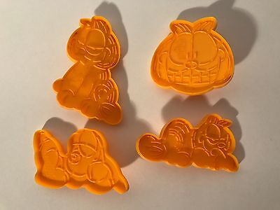 Lot of 4 Vintage Wilton Garfield and Odie Cookie Cutters - Great for Play Doh