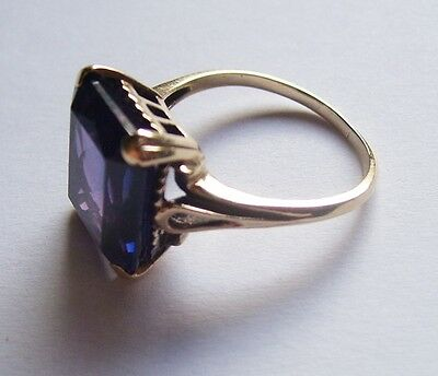 Vintage 10 Carat Gold & Large Solitaire Alexandrite Ring. Size O/P