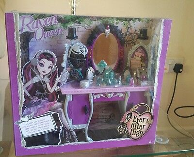Ever after high raven queen Vanity/ dressing table playset bnib