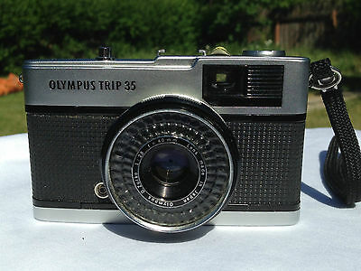 Olympus Trip 35 film camera 35 mm with 40mm F2.8 lens,now with mini tripod too