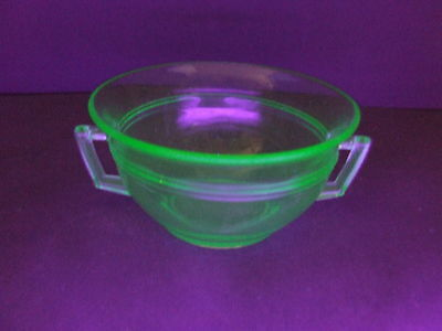 Vintage Green Vaseline Uranium Depression Glass Ringed Double Handle Sugar Bowl