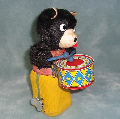 Vintage Japan in original Box Circus Teddy Wind up Bear with Drum works