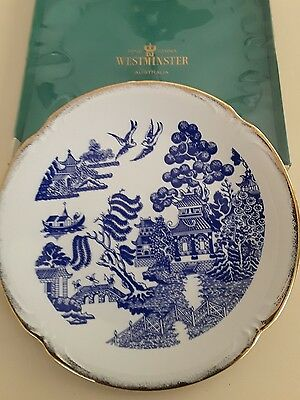 Blue /white willow pattern plate