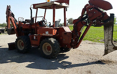 Ditch Witch 8020 Turbo SP Hydraulic Vibratory Plow and Backhoe  Ready for work