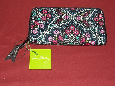 Authentic VERA BRADLEY ~ Disney Parks ~ Mickey & Minnie Medallion Wallet New