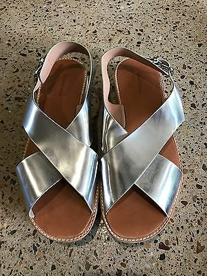 COUNTRY ROAD Ladies Women's Size 41 Silver Platform Sandals