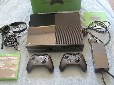 Microsoft Xbox One 500GB Black Console Bundle - 2 Controllers - 1 Game ! Boxed !