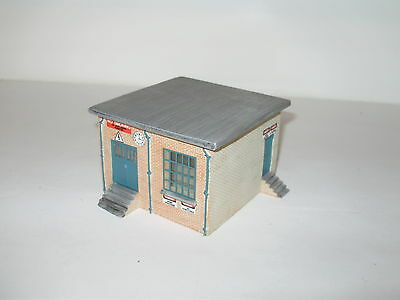 Hornby Skaledale Utilities service shed.  No Box. OO. Assembled. As new cond.